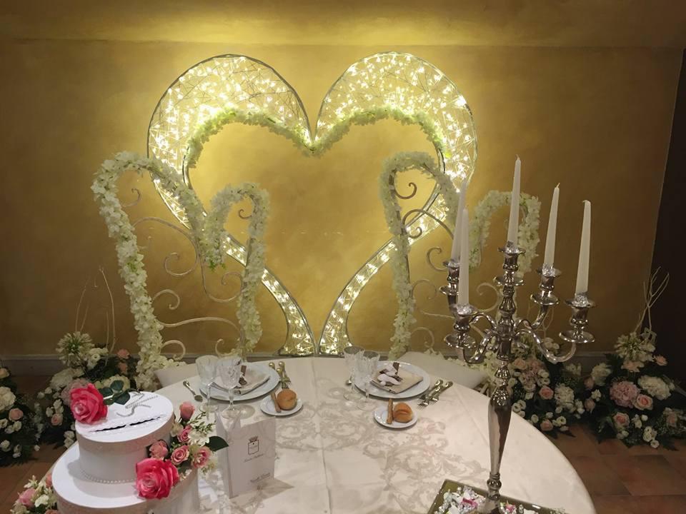 Décoration de mariage, cadre coeur lumineux tissé en fibre minérale