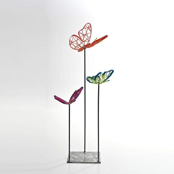 trio de papillons fond clair